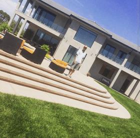 wpid-1b New home, new start for Chris Brown