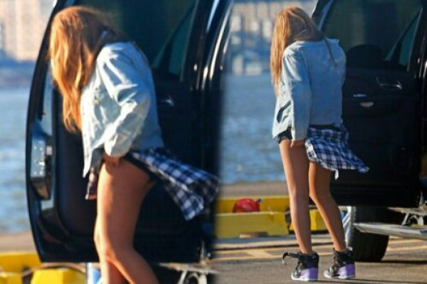 Beyonce Beyonce Suffers yet Another Wardrobe Malfunction | Photos