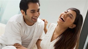 7 Normal Habits Guys Unknowingly Love About You [The Lady]