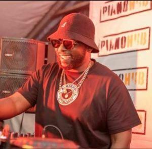 DJ Maphorisa Mposa.co .za  300x294 - DJ Maphorisa – Propaganda Night Party Mix