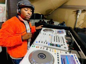 De Mthuda 1 Mposa.co .za  300x225 - De Mthuda & Kwiish SA – Its Our Way (Main Mix)
