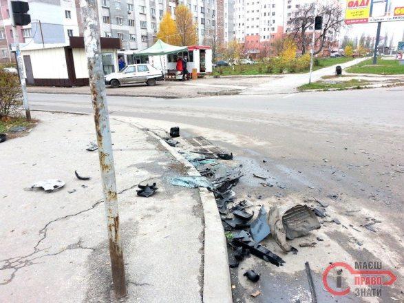 ДТП Світлофор Грушевського 3