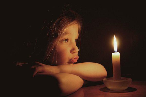Відключення світла Свічка