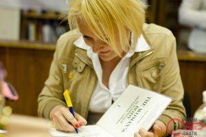 Письменниця Ірина Ігнатенко розповіла броварчанам про всі таємниці жіночого тіла в українській культурі