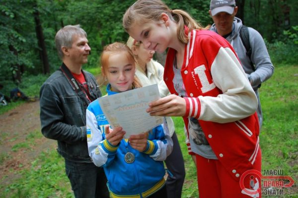 velozmag  (41) Єва Андрієць та Марина Редька