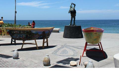 El Sutil Comepiedras en el Malecón de Puerto Vallarta