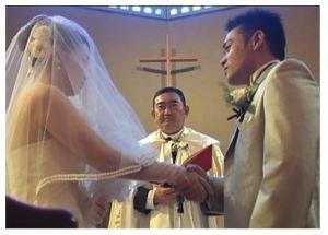 教会における結婚式風景