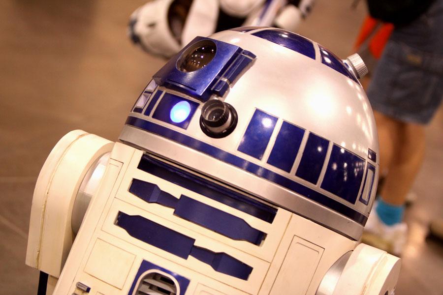 star-wars-pourquoi-nous-attachons-nous-a-un-robot
