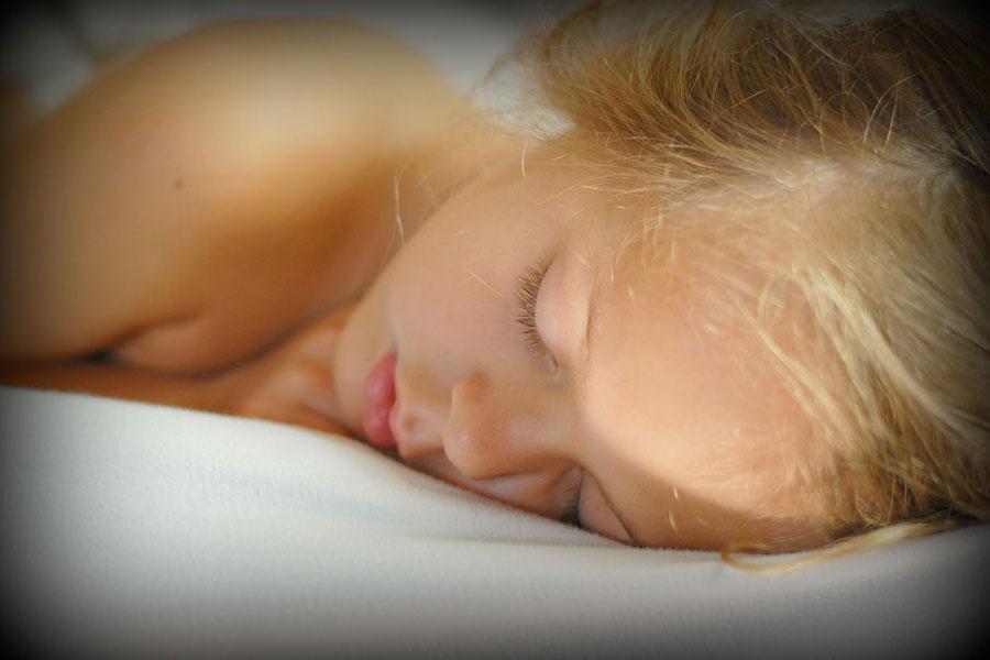3 raisons de dormir sur le côté gauche