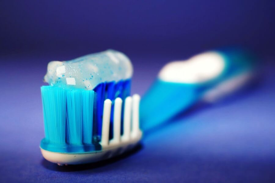 combien-de-temps-apres-manger-brosser-dents