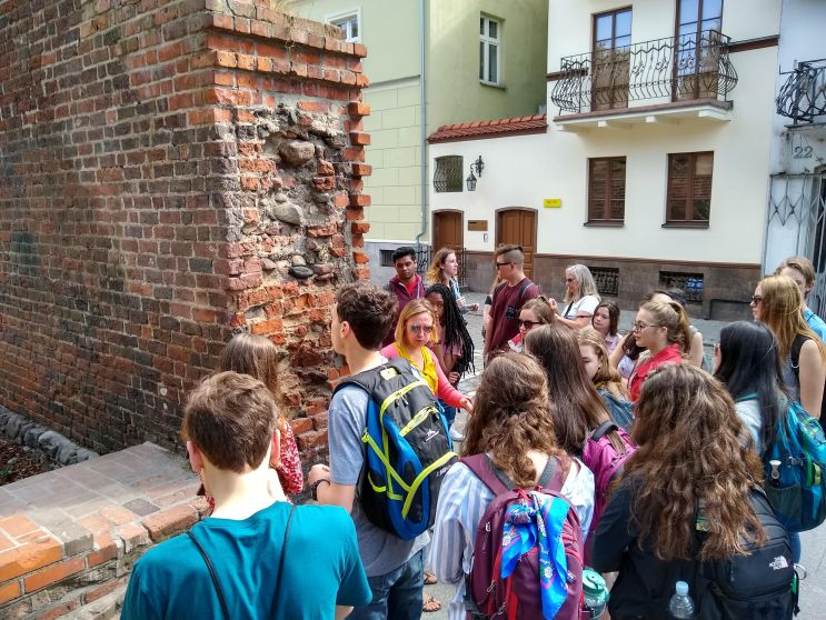 Guided tour at the old city wall in Torun