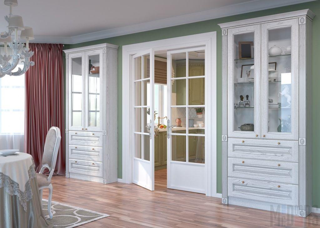 Гостиная, совмещенная со столовой, с классической белой мебелью
