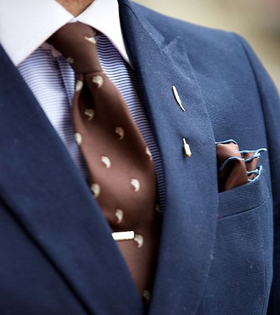 A Guide to Matching Ties and Pocket Squares