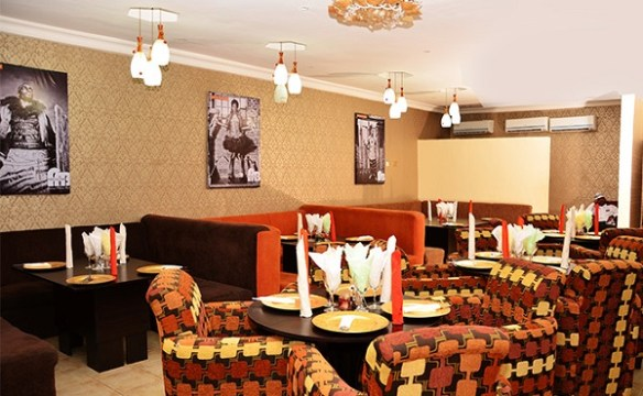 places to hangout in lagos