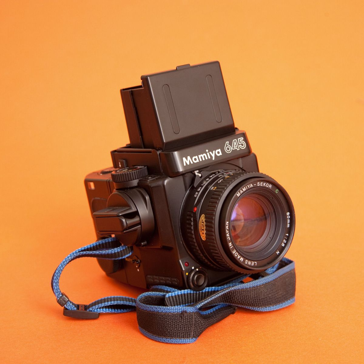 Mamiya 645 Super Review – Cheaper Hasselblad Alternative? (+User Guide)