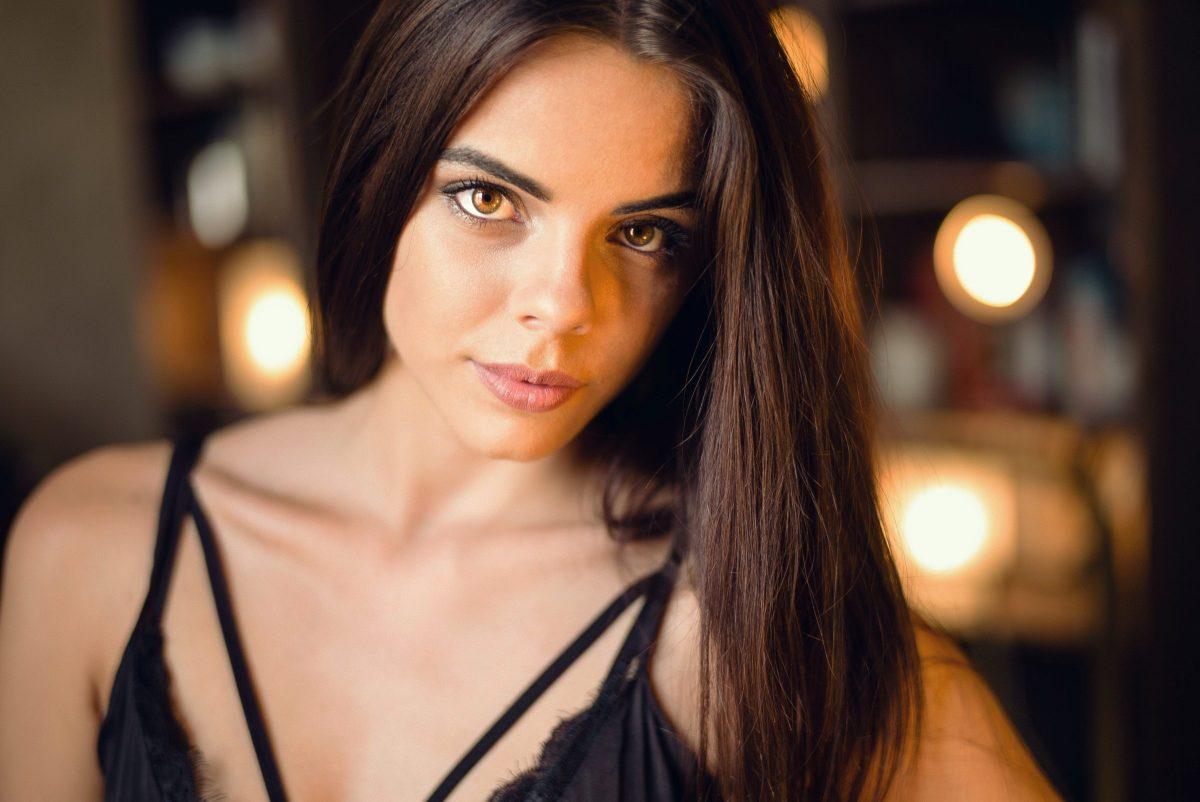 budapest model hungarian girl brunette brown eyes beautiful girl
