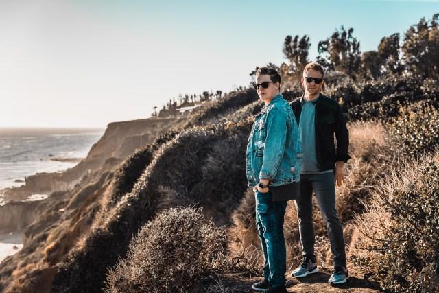 流行電音組合 Tritonal 釋出全新專輯 U & ME,新時代創作人 Sasha Sloan 參與其中製作! 1