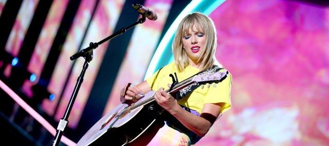 Taylor Swift 全新專輯 Lover 故事介紹 & 樂評,放下過去,學會原諒,擁抱敵人