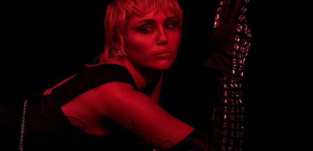 Miley Cyrus - Midnight Sky 中文歌詞翻譯介紹