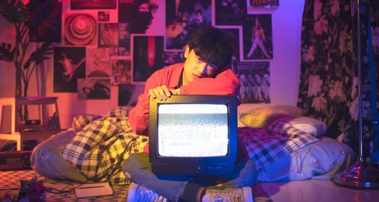 重返九零愛情時光,新加坡歌手 Dru Chen 用新歌 Replay 帶聽眾一同回顧美好故事