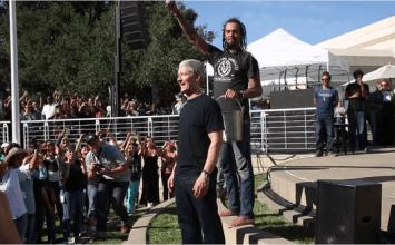 Apple CEO庫克參加冰桶公益挑戰 iPhone6身影現形