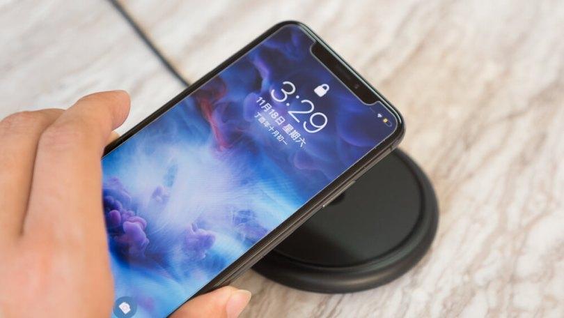 iPhone X/8系列專用無線充電座Mophie Wireless Charging Base開箱