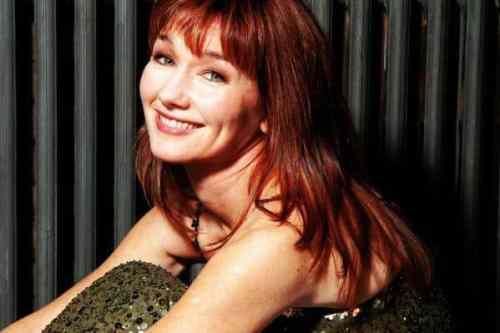 Lari White, country music singer, actress, Cast Away, Tom Hanks, Mr. Media Interviews