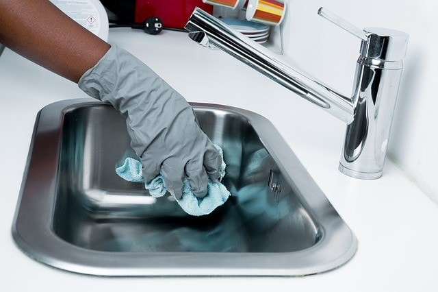 Cleaning Sinks