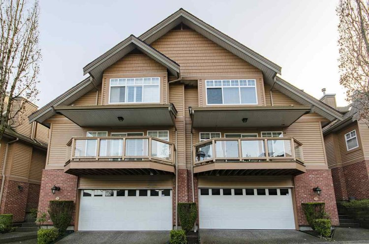 """Main Photo: 39 5201 OAKMOUNT Crescent in Burnaby: Oaklands Townhouse for sale in """"HARTLANDS"""" (Burnaby South)  : MLS®# R2515415"""