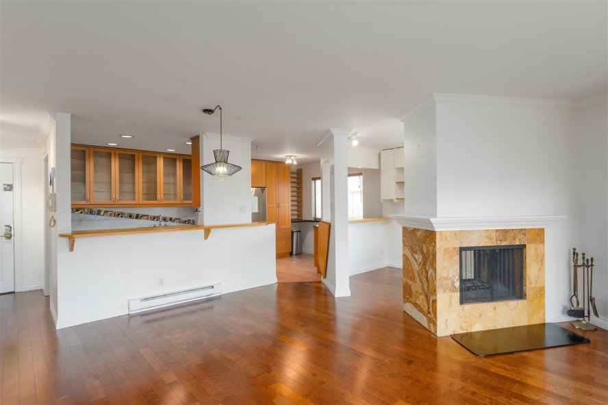 Main Photo: 201 1130 W 13TH Avenue in Vancouver: Fairview VW Condo for sale (Vancouver West)  : MLS®# R2527453