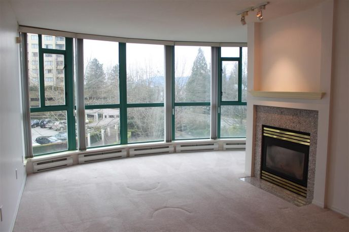 """Main Photo: 206 5833 WILSON Avenue in Burnaby: Central Park BS Condo for sale in """"PARAMOUNT I"""" (Burnaby South)  : MLS®# R2348289"""