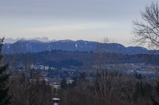 """Photo 5: 39 5201 OAKMOUNT Crescent in Burnaby: Oaklands Townhouse for sale in """"HARTLANDS"""" (Burnaby South)  : MLS®# R2515415"""