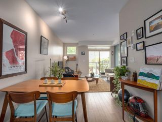 """Photo 10: 309 707 E 20TH Avenue in Vancouver: Fraser VE Condo for sale in """"BLOSSOM"""" (Vancouver East)  : MLS®# R2404449"""