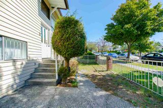 "Photo 3: 3259 E 48TH Avenue in Vancouver: Killarney VE House for sale in ""Killarney"" (Vancouver East)  : MLS®# R2494373"