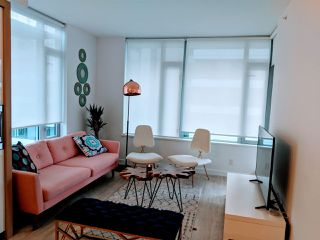 """Photo 5: 908 1661 QUEBEC Street in Vancouver: Mount Pleasant VE Condo for sale in """"VODA"""" (Vancouver East)  : MLS®# R2528421"""