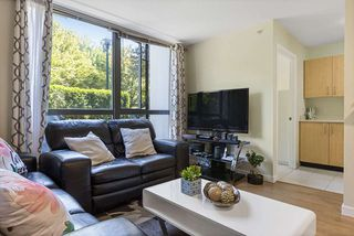 Photo 5: 102 3588 CROWLEY Drive in Vancouver: Collingwood VE Condo for sale (Vancouver East)  : MLS®# R2487319