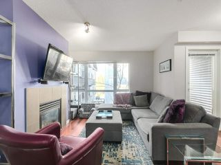 """Photo 2: 119 672 W 6TH Avenue in Vancouver: Fairview VW Townhouse for sale in """"BOHEMIA"""" (Vancouver West)  : MLS®# R2401186"""