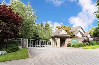 """Photo 1: 49 5221 OAKMOUNT Crescent in Burnaby: Oaklands Townhouse for sale in """"SEASONS BY THE LAKE"""" (Burnaby South)  : MLS®# R2480570"""