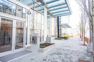 """Photo 6: 4709 4670 ASSEMBLY Way in Burnaby: Metrotown Condo for sale in """"STATION SQUARE 2"""" (Burnaby South)  : MLS®# R2336206"""
