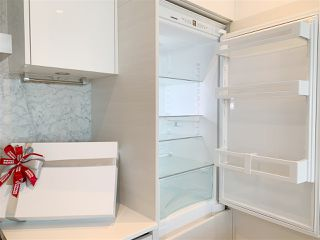 """Photo 18: 4709 4670 ASSEMBLY Way in Burnaby: Metrotown Condo for sale in """"STATION SQUARE 2"""" (Burnaby South)  : MLS®# R2336206"""