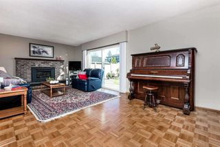 Photo 6: 6924 HYCREST Drive in Burnaby: Montecito House for sale (Burnaby North)  : MLS®# R2344391