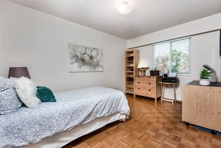 Photo 9: 6924 HYCREST Drive in Burnaby: Montecito House for sale (Burnaby North)  : MLS®# R2344391