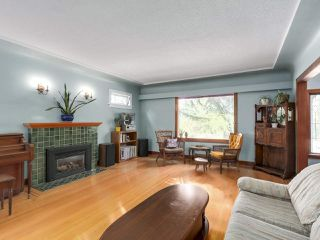 Photo 1: 4276 WALLACE Street in Vancouver: Dunbar House for sale (Vancouver West)  : MLS®# R2348266