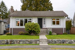 Photo 2: 4063 W 40TH Avenue in Vancouver: Dunbar House for sale (Vancouver West)  : MLS®# R2343366