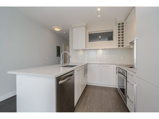 """Photo 8: 2005 668 COLUMBIA Street in New Westminster: Quay Condo for sale in """"TRAPP & HOLBROOK"""" : MLS®# R2203943"""