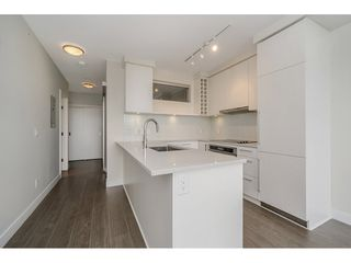 """Photo 7: 2005 668 COLUMBIA Street in New Westminster: Quay Condo for sale in """"TRAPP & HOLBROOK"""" : MLS®# R2203943"""