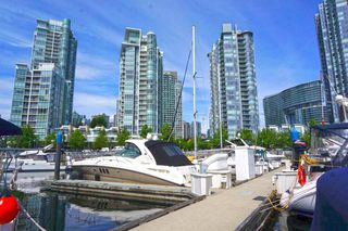 "Photo 8: 42 1088 MARINASIDE Crescent in Vancouver: Yaletown Condo for sale in ""QUAYSIDE MARINA"" (Vancouver West)  : MLS®# R2376189"
