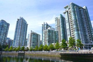 "Photo 11: 42 1088 MARINASIDE Crescent in Vancouver: Yaletown Condo for sale in ""QUAYSIDE MARINA"" (Vancouver West)  : MLS®# R2376189"