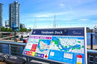 """Photo 9: 42 1088 MARINASIDE Crescent in Vancouver: Yaletown Condo for sale in """"QUAYSIDE MARINA"""" (Vancouver West)  : MLS®# R2376189"""
