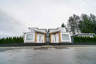 Photo 1: 7690 FORMBY Street in Burnaby: Highgate 1/2 Duplex for sale (Burnaby South)  : MLS®# R2499966